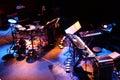 Los instrumentos musicales viven el foto colorido puesto etapa disposición viva de la etapa del viaje europeo de roland v topia Imagen de archivo libre de regalías
