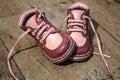 Los zapatos de cuero de niño Fotos de archivo