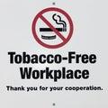 Lugar de trabajo libre del tabaco/muestra de no fumadores Imágenes de archivo libres de regalías