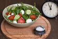 Lunch time vegetable salad in a bowl Royalty Free Stock Photos