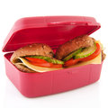 Lunchbox mit gesunden Brotrollen Stockfotos