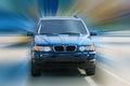 Mörkblå off-road bilkörning Arkivfoton