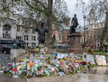 Mandela nelson s statue in london just after his death in Stock Photography