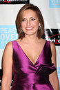 Mariska hargitay arriving at the peace over violence th annual humanitarian awards beverly hills hotel beverly hills ca november Stock Photography