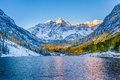Maroon bells at sunrise apen co Royalty Free Stock Photos