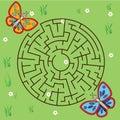 Maze game: animals theme. Kids activity sheet