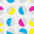 CIRCLE MEMPHIS STYLE SEAMLESS PATTERN. GEOMETRIC ELEMENTS TEXTURE. 80S-90S DESIGN ON WHITE BACKGROUND.
