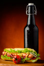 Menu e birra del hot dog Fotografia Stock