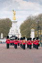 Militrary band guardsmen return to wellington barracks after taking part in the ceremony of the changing of the guards at Royalty Free Stock Photos