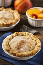 Mini peach pie dessert Images libres de droits
