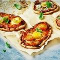 Mini pizza faite maison Image stock