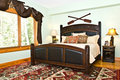 Modern Bedroom/Rustic Decor Royalty Free Stock Photo