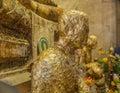 Moine antique statue face closeup de bouddhisme dans amphawa Images stock