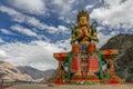 Monasterio grande de buda diskit que se sienta ladakh la india Fotografía de archivo