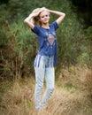Mooi angel white teenage girl in een gebied Stock Afbeeldingen