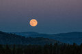Moon rise on the mountain Royalty Free Stock Images