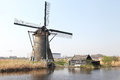 Moulins à vent chez kinderdijk pays bas Photo stock