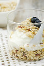 Muesli met yoghurt close up Stock Afbeelding