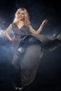 Mulher sensual no vestido preto longo Fotos de Stock Royalty Free