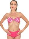 Mulher sexy pin up model em um biquini Fotos de Stock Royalty Free