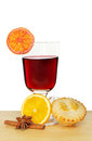 Mulled wine and a mince pie against a white background Stock Images