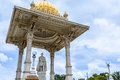 Mysore king the statue of chamarajendra wodeyar in front of the palace in india Stock Photos