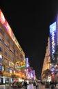 Nanjing väg vid natt på Shanghai, Kina Royaltyfria Bilder