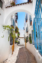 Narrow passageway in old center of Cordoba Royalty Free Stock Photos