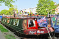 Narrowboats verankerte in wenigem Venedig, Paddington Lizenzfreies Stockfoto