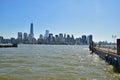 New york city moderno visto de liberty state park através de hudson river em um dia ensolarado Imagens de Stock Royalty Free