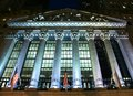 New york stock exchange si è acceso alla notte Immagini Stock Libere da Diritti