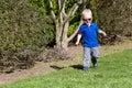 Niño que recorre Imagen de archivo libre de regalías