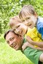 Игры папаа с маленькими ребеятами Стоковые Изображения