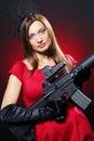 攻击有吸引力的步枪性感的间谍妇女 库存图片