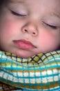 休眠男孩接近的纵向  免版税库存图片
