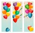 与五颜六色的气球和旗子的减速火箭的假日横幅 库存照片