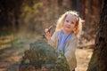 πορτρέτο του χαριτωμένου ευτυχούς παιχνι ιού κοριτσιών παι ιών με το  Στοκ φωτογραφία με δικαίωμα ελεύθερης χρήσης