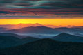 North carolina blue ridge parkway sunrise asheville nc near featuring crepuscular light rays shining over endless appalachian Royalty Free Stock Photography
