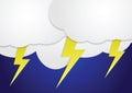 Nubes de tormenta con los rayos amarillos Fotografía de archivo