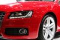 Nuevo coche deportivo rojo Fotos de archivo libres de regalías