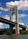 Nyc gw bridge little red lighthouse the east tower of the george washington spanning the hudson river from manhattan to fort lee Stock Photos