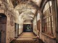 Starý v nemocnice koridor