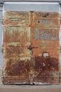 Staré kovové dvere