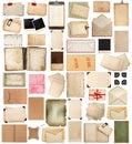 Oude document bladen, boeken, pagina's en oude prentbriefkaaren die op wh worden geïsoleerd