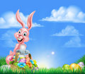 Páscoa cor de rosa bunny egg hunt dos desenhos animados Imagens de Stock Royalty Free
