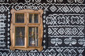 Malovaný dřevěný dům na Slovensku