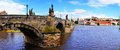 Panorama de prague avec charles bridge Photographie stock libre de droits