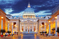 The papal basilica of saint peter in the vatican papale di san pietro vaticano Stock Photo