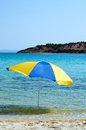 Parapluie en mer Photo stock