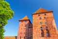 A parede e as torres do castelo de malbork Fotografia de Stock Royalty Free